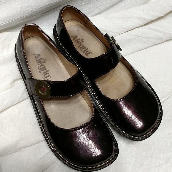 41010fa26a Alegria Shoes | Plum Patent Leather Paloma Mary Jane Euc | Poshmark